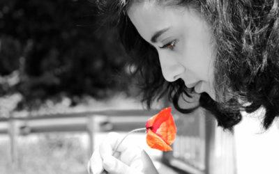 """""""Il faut croire en soi, en sa différence et être authentique pour se sentir vivant"""" – Anissa Bouderbal"""
