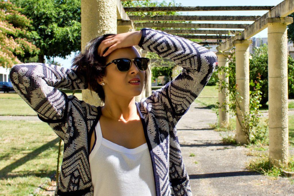 Photos d'Anissa Bouderbal à l'extérieur
